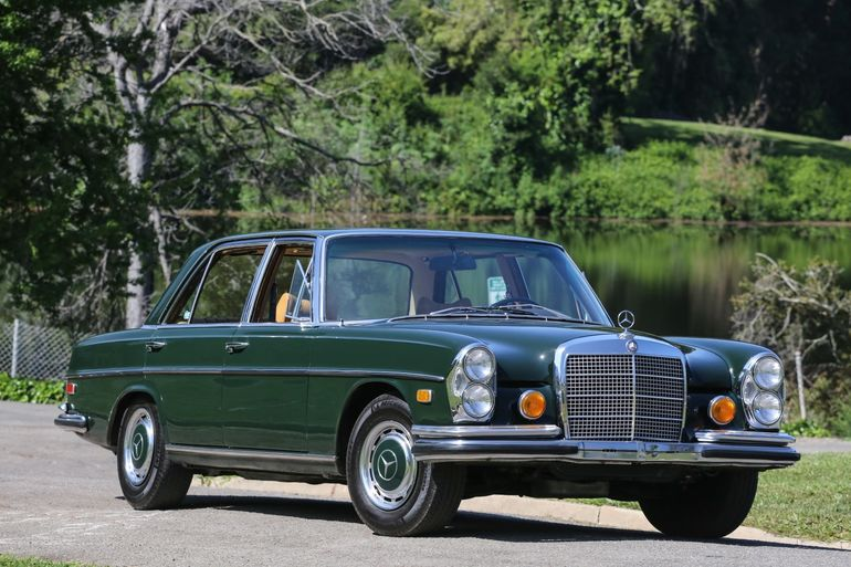 Fantasy Junction: brokers of special interest and collector cars on